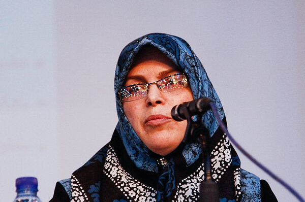 آذر منصوري
