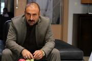 گریم سنگین مهران احمدی در تئاتر عروس مردگان