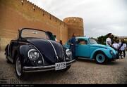 عکس روز: گردهمایی فولکسهای کلاسیک در شیراز