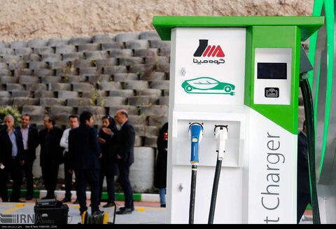 افتتاح نخستین جایگاه شارژ خودروهای برقی