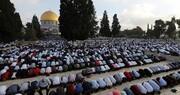 دهها هزار فلسطینی نماز عید فطر را در مسجد الاقصی اقامه کردند