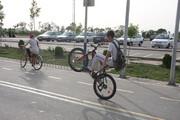 لذت دوچرخهسواری در پیست بوستان ولایت