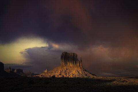 صخره و نور