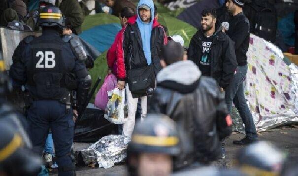 يورش پليس فرانسه به كمپ مهاجران