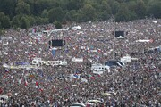 تظاهرات بزرگ مردم پراگ علیه نخست وزیر