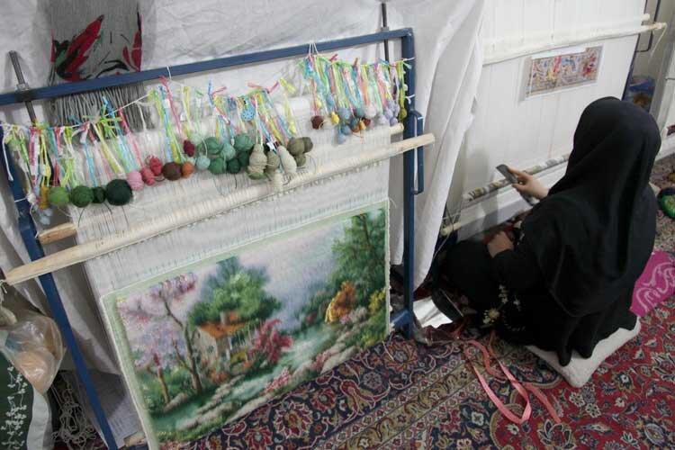 تاروپود ازهمگسیخته هنر تابلوفرش قزوین