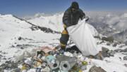 تلاش نپال برای پاکسازی اورست از زبالهها