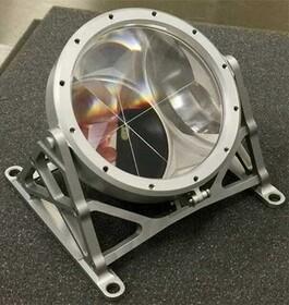 اندازهگیری دقیق فاصله زمین و ماه با یک منشور
