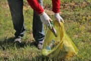 دوستداران طبیعت ۴ مرداد زبالههای توچال را جمع میکنند