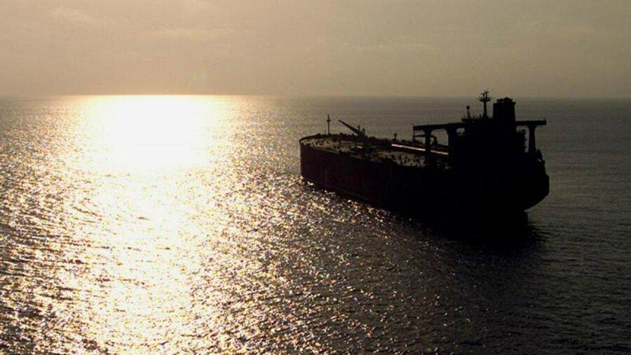 نفتکش یمنی رهاشده در دریای سرخ «بمب ساعتی» است