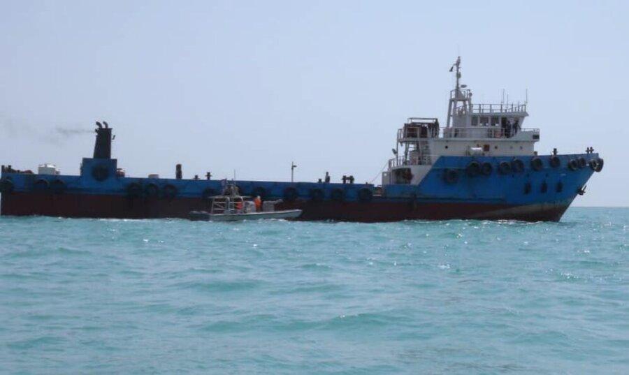 شناور خارجی با ۷۰۰ هزار لیتر سوخت قاچاق دربوشهر توقیف شد