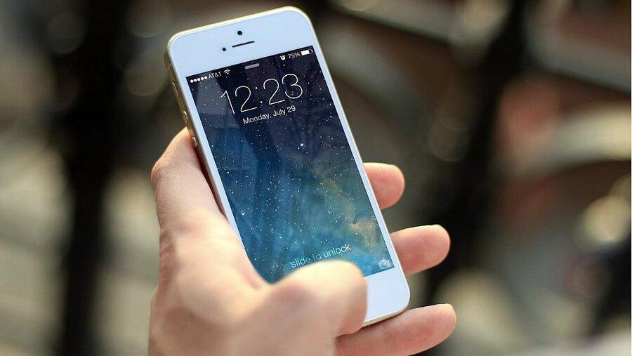جایزه یک میلیون دلاری اپل برای کسانی که نقصهای امنیتی آیفون را بیابند