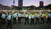 تجمع شبانه در بخارست | مردم علیه دولت رومانی