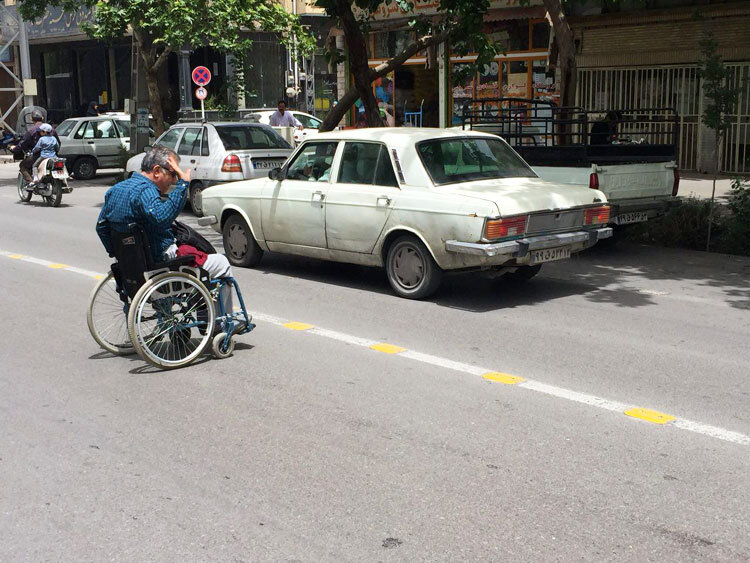 مناسبسازی معابر شهری برای معلولان