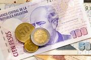 پول آرژانتین در یک روز بیش از ۱۵ درصد سقوط کرد