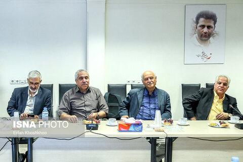 نشست روز خبرنگار با حضور روزنامهنگاران پیشکسوت