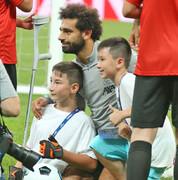 توجه بازیکنان لیورپول و چلسی به کودکان معلول در ترکیه