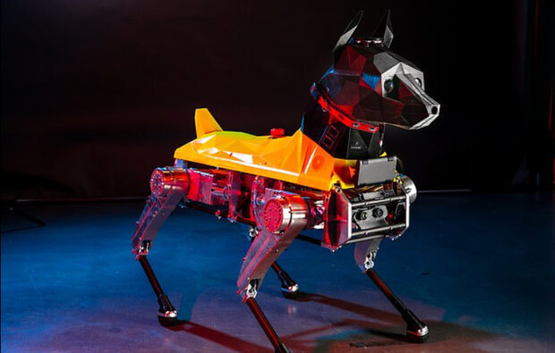 اين سگ رباتیکبه دستورات صوتی واکنش نشان میدهد