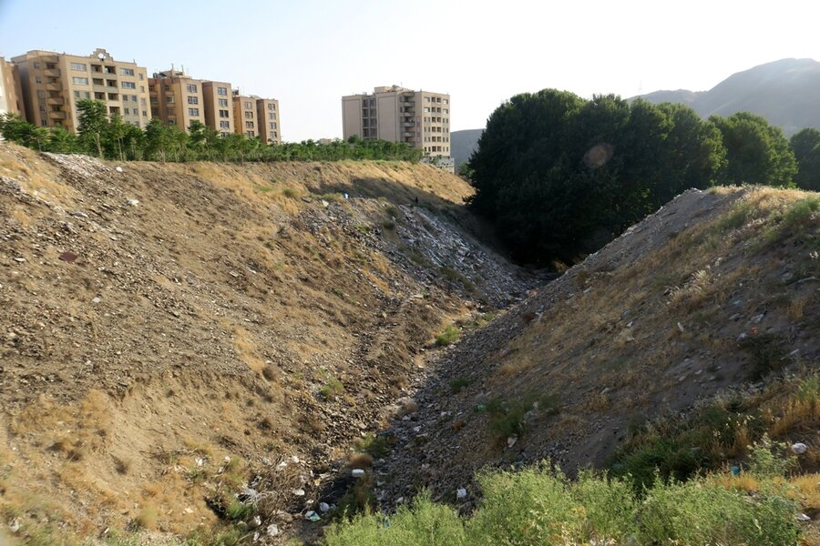 تخریب باغ ها به دلیل ساخت و ساز و برج سازی