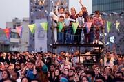 حرکت دستههای شادی در محله