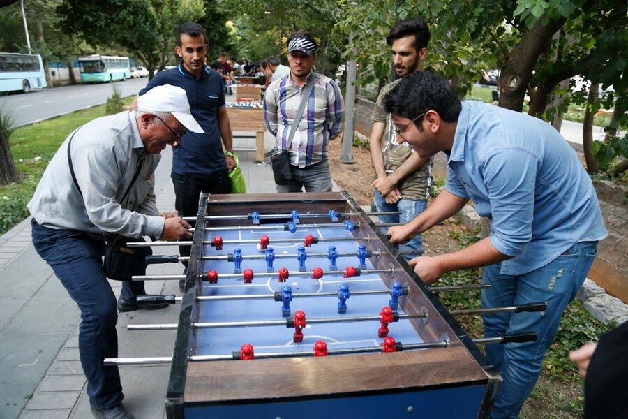 بازی و نشاط سالمندی در پارک