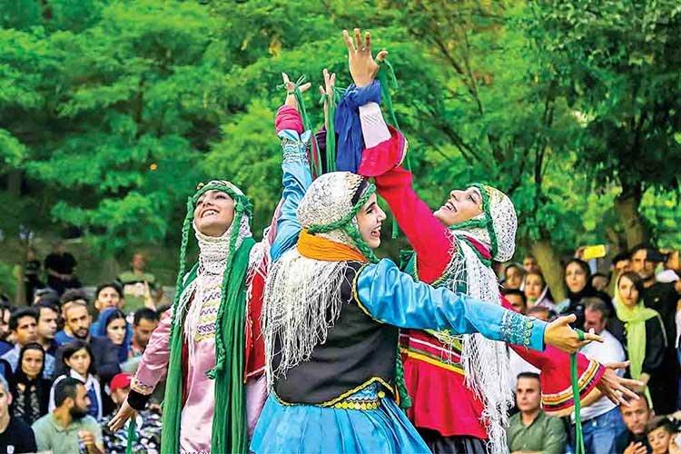 تئاتر خياباني