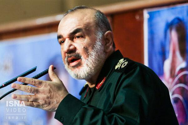 سلامی: دشمنان در میدان عمل قدرت واقعی ما را خواهند دید