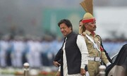 نخست وزیر پاکستان به مرز کشمیر رفت