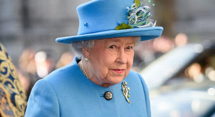 ملکه الیزابت 833