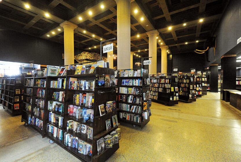 ناشران آمريكايي در مقابل کتابفروشان