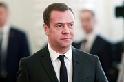 نخستوزیر روسیه و کابینهاش استعفا کردند