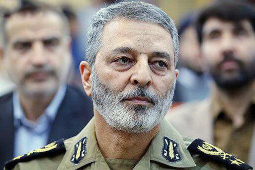 فرمانده ارتش: دشمنان میتوانند به روز بودن تجهیزات ما را امتحان کنند