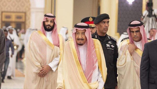 پادشاه عربستان و محافظش