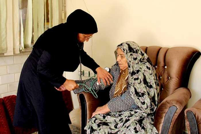 خدمات درمانی به سالمندان