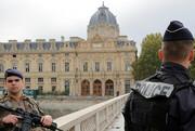 فیلم | پلیس فرانسه بیمار روانی را با پوزهبند کتک میزند!