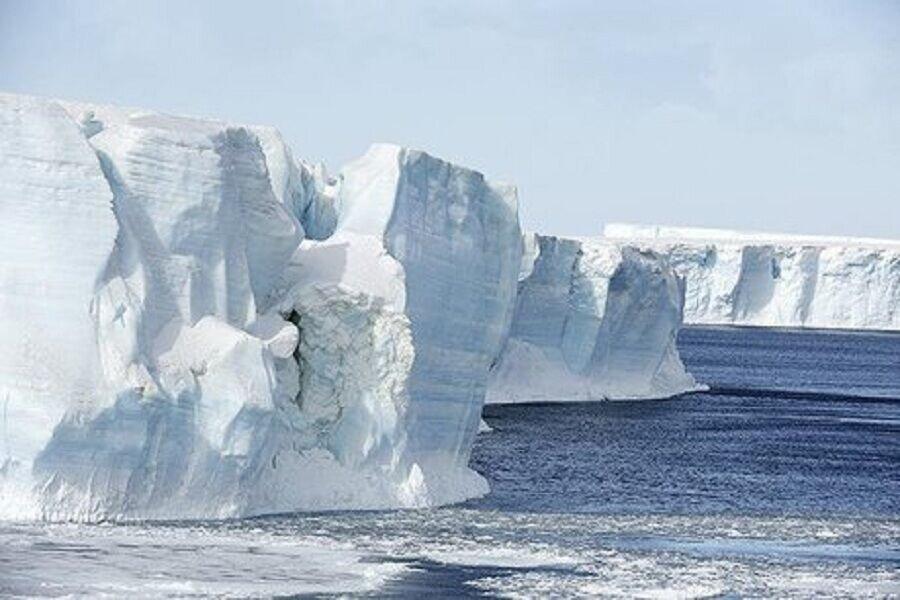 کوه یخی به بزرگی لندن از قطب جنوب جدا شد
