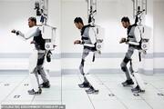 فیلم | اسکلت خارجی روباتی برای راه رفتن بیمار قطع نخاعی
