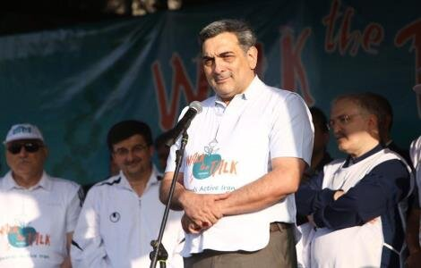اعطای مدال UHC به حناچی | تاکید شهردار تهران بر همکاری دستگاهها برای ترغیب شهروندان به ورزش همگانی