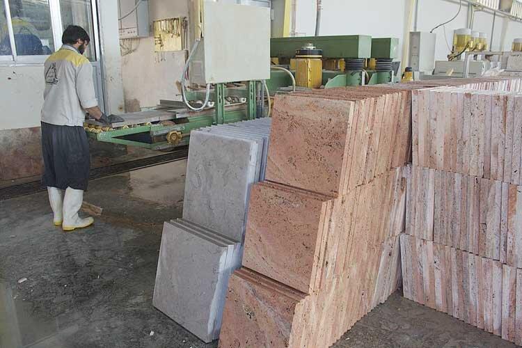 سهم اصفهان از بازار سنگ جهان آب میرود