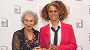 بوکر ۲۰۱۹ به دو نویسنده زن رسید | بوکر «ترینها»