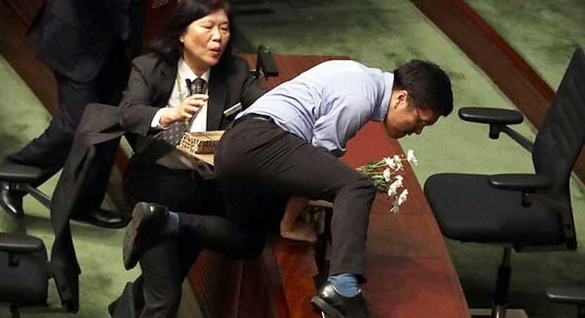 پارلمان هنگ كنگ 833