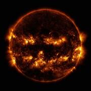 خورشید در لباس هالووین | چهره هولناک خورشید در عکس ناسا