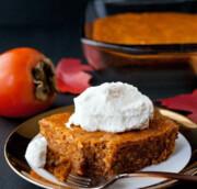 آشنایی با روش تهیه کیک خرمالو؛ دسری پاییزی