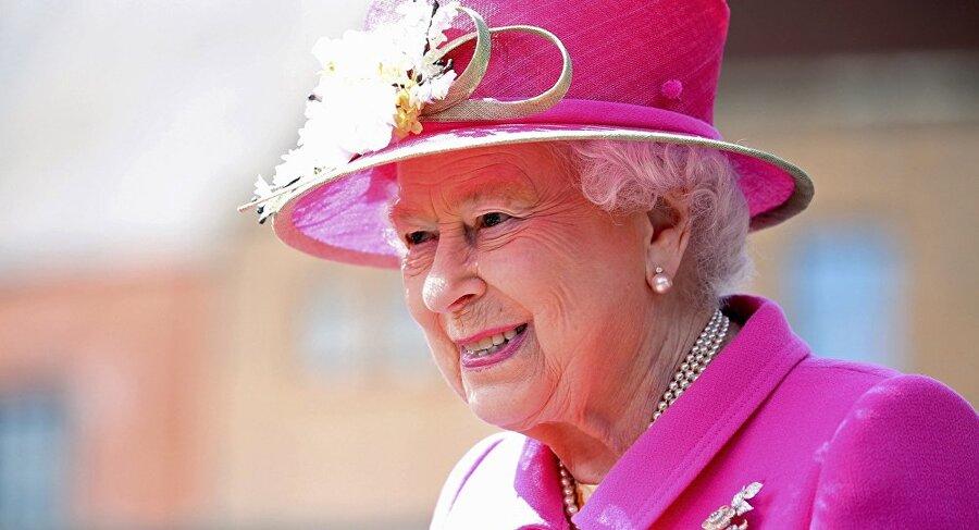 ملکه بریتانیا - الیزابت دوم