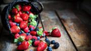 هفت ماده غذایی مفید برای چشم را بشناسید