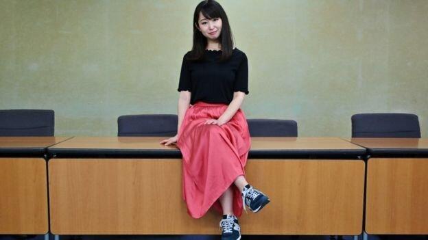 Image result for عینک زدن زنان در ژاپن ممنوع است