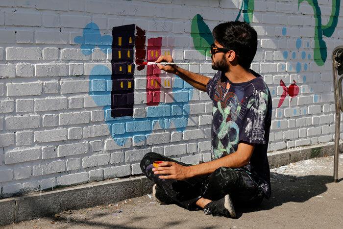 نقاشی دیوار مدارس