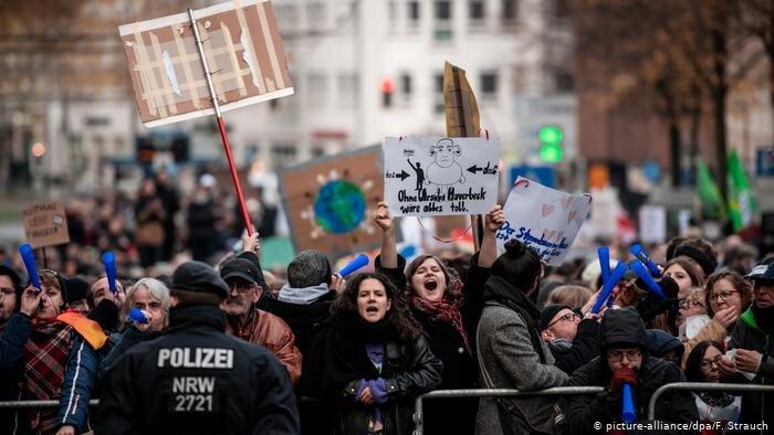 تظاهرات ضد نئونازي هاي در آلمان