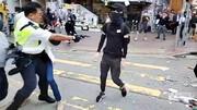 فیلم| شلیک پلیس هنگکنگی از فاصله نزدیک به یک معترض
