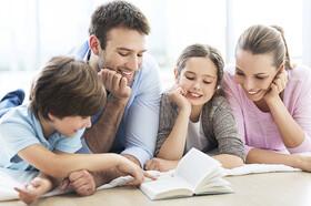 کودکانی که یک کتاب برای آنها چند بار خوانده میشود قوه ادراک بالاتر دارند